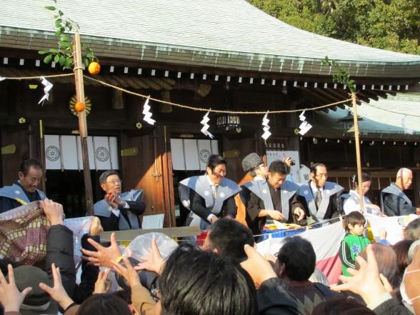 25.2.3護国神社の節分へ 087_ks