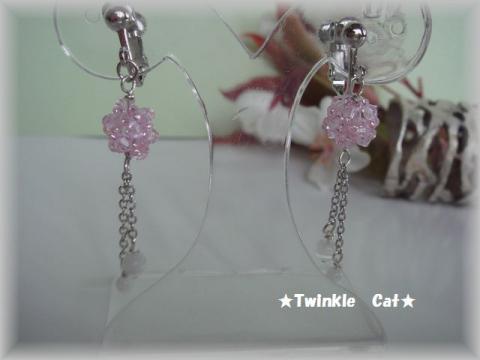 ピンクのイヤリング
