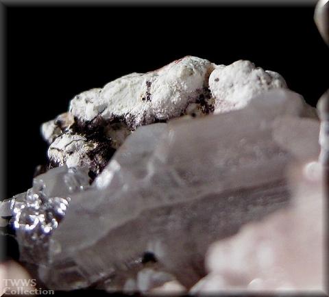 白鉛鉱_ナミビア2水酸白鉛鉱