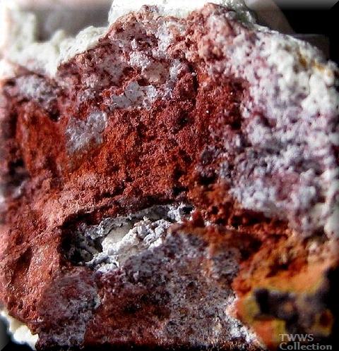 白鉛鉱_ナミビア2鉛丹