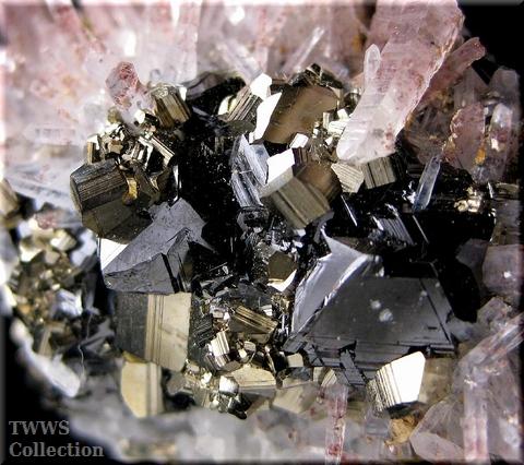水晶&黄鉄鉱&閃亜鉛鉱_ペルー1アップ1
