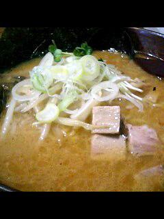 札幌に来ると大体食べに行く白樺山荘の味噌ラーメン
