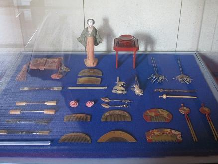 antique acccessories