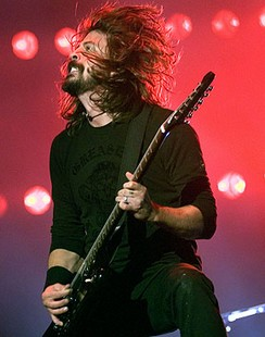 Dave-Grohl-Wembley.jpg