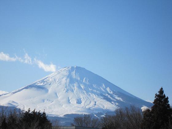 今度は御殿場アウトレットから見える富士山よ♪^^;
