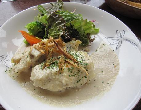 白身魚ごぼうのクリームソース(だったかな?)美味しかった