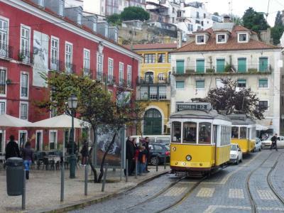S 色の街リスボン