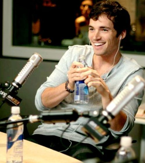 eye-candy-ian-harding-8.jpg