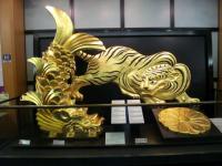 金の鯱と虎
