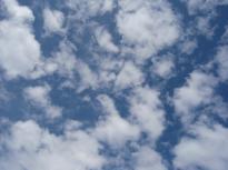 11_P7190227_荒川牧場空と雲
