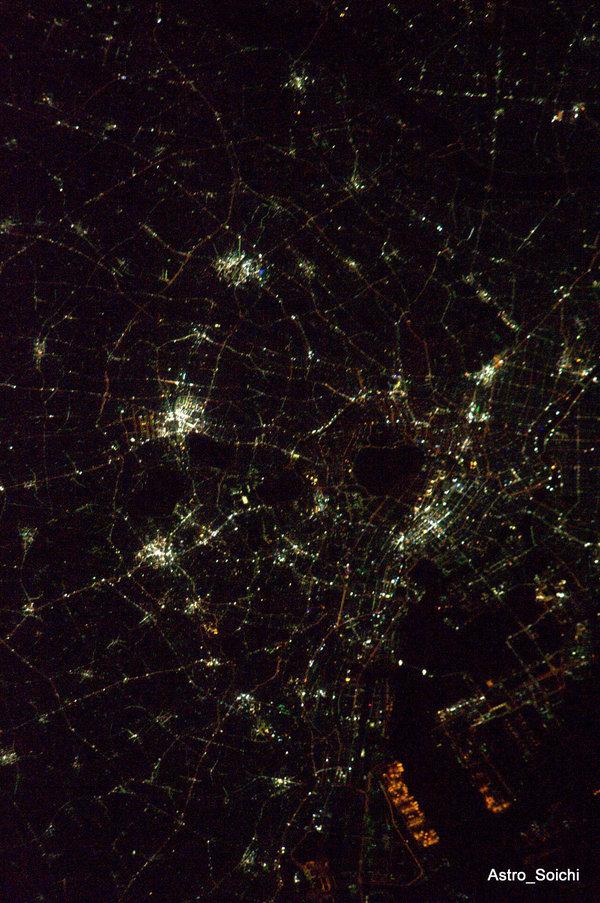 東京夜景宇宙から