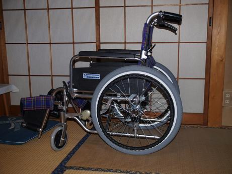 011 車椅子