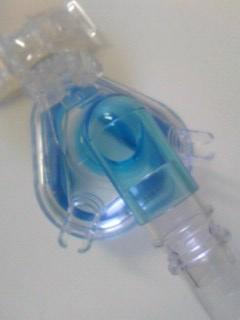*呼吸器マスク*