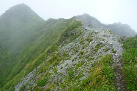 槍ヶ峰北峰への稜線