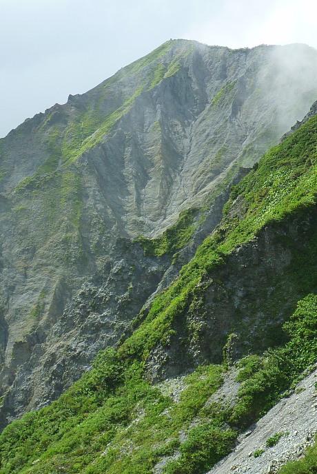剣ヶ峰を望む