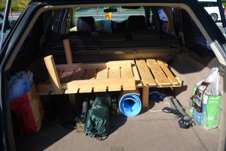 車中泊用ベッド分解収納状態