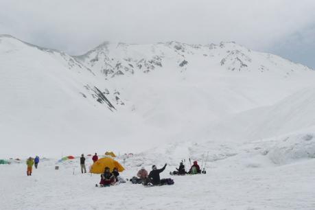 テント場と立山