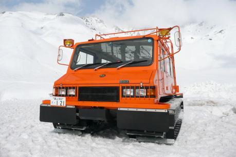 山岳警備隊の雪上車