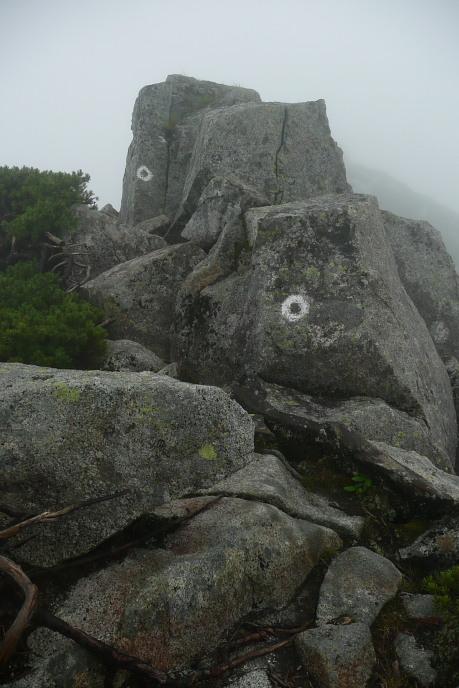 稜線ルートの巨岩1