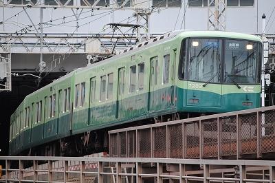 京阪251 012