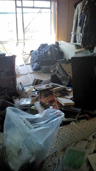 震災直後の居間