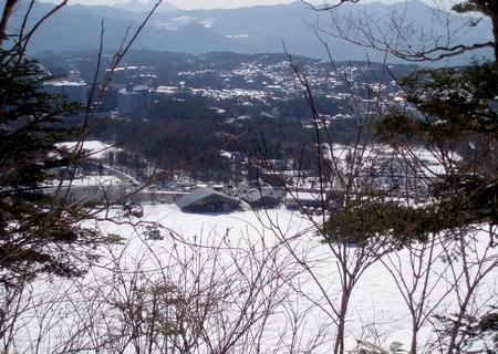 スタートして少しで草津の街を見下ろします