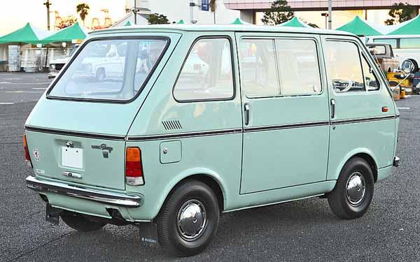 800px-Suzuki_Carry_Van_402.jpg
