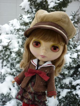 雪の中なにも撮らなくても・・・。
