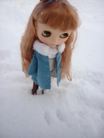雪にびっくり?