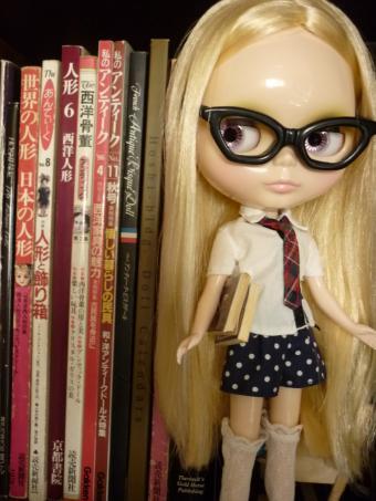 メガネも似合う