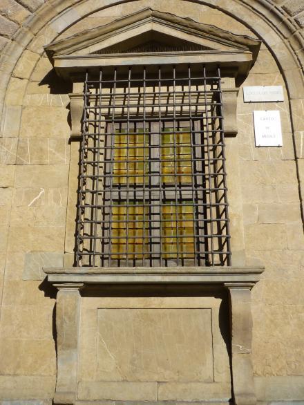 finestra inginocchiato2