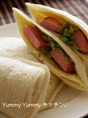 お魚ソーセージのキャベツ&チーズサンド(ブログ用)