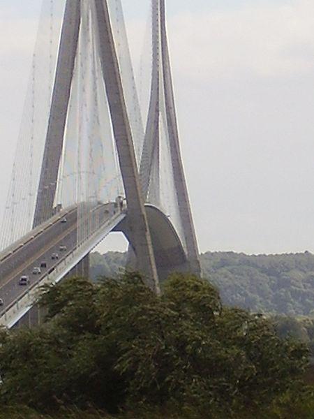 450px-Pont_de_Normandie_2008_PD_14.jpg