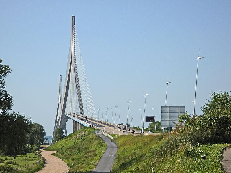 800px-Pont_de_Normandie_1.jpg