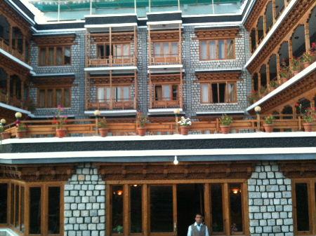 ホテルシャングリラ3