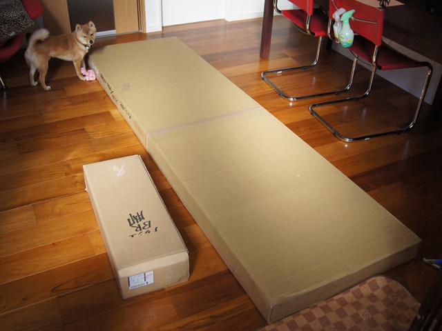 再製作のダイニングテーブル