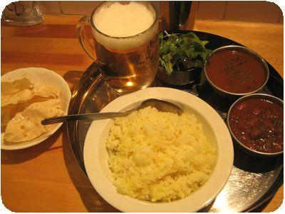 2種盛り(豆カレー・牡蠣カレー)