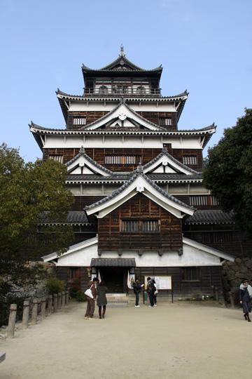 20100111_hiroshima_castle-02.jpg
