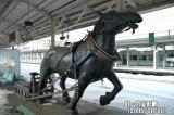 JR北海道_岩見沢駅_ホーム_ばんばの像_そりを曳く馬_銅像