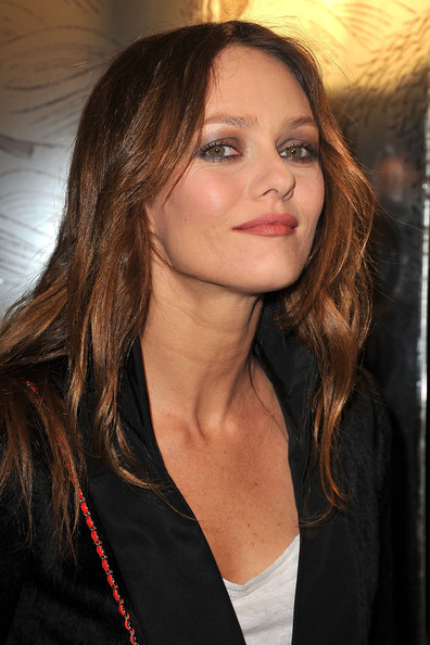 Vanessa+Paradis+Chanel+Arrivals+Paris+Fashion+zM0JUSr1r2nl.jpg