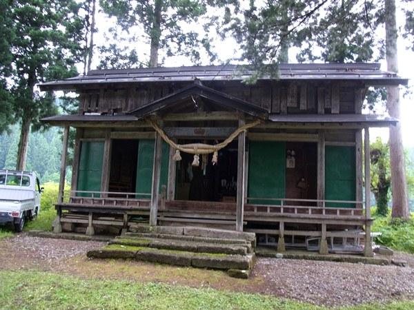 土沢神社・社殿