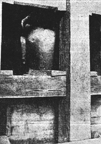 興福寺仏頭発見時の写真