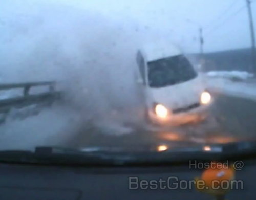 out-of-fucking-nowhere-female-driver-toyota-vitz-dashcam-russia.jpg