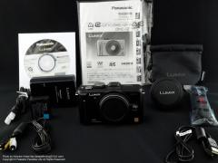 Panasonic LUMIX DMC-GF1と付属品