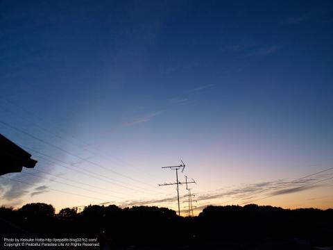 秋の朝の空