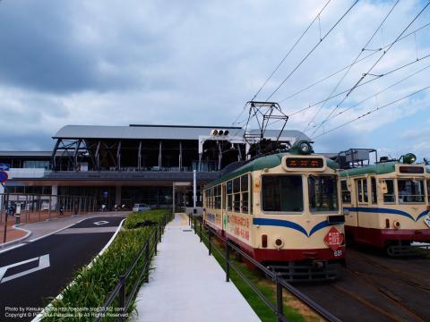 高知駅と路面電車