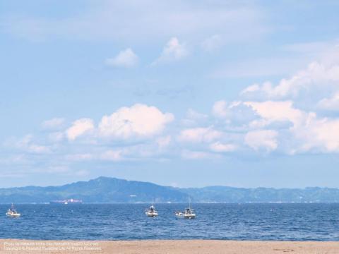 三浦海岸から房総半島を望む