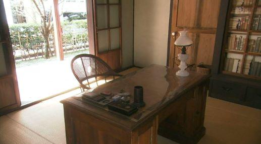 趣味124 襄が使った書斎の机